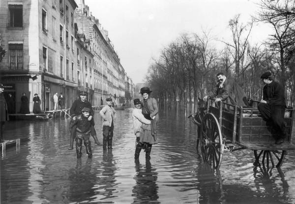 Paris Great Flood in 1910