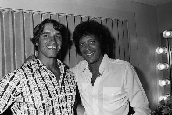 10 Aug 1977, Los Angeles, California, USA --- Austrian-born American actor and bodybuilder Arnold Schwarzenegger and Welsh singer Tom Jones. --- Image by © Jim McHugh/Sygma/Corbis